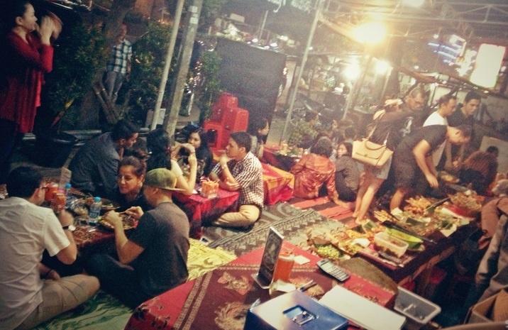 Berjualan Makanan, Contoh Bisnis Sampingan Malam Hari